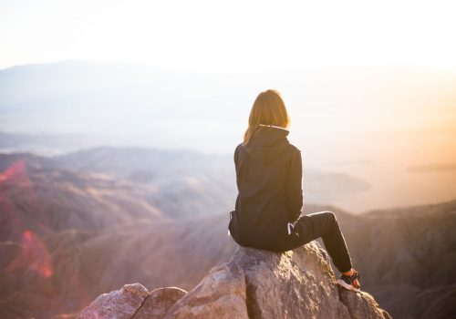 mujer montaña