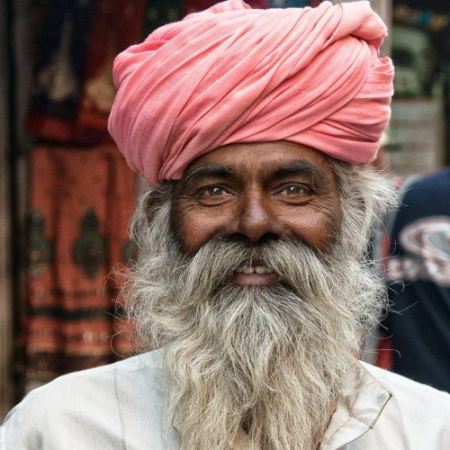 hombre india